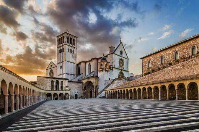 verta žinoti Vestuvių organizavimas Umbrijos regione 457 - vilma wedding vestuviu planavimas planuotoja vestuves italijoje organizavimas planuotoja patarimai idejos svente santuoka