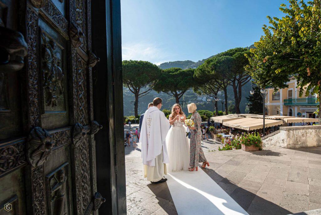17 - vilma wedding vestuviu planavimas planuotoja vestuves italijoje organizavimas planuotoja patarimai idejos svente santuoka Nesvarbu, suirusi puokštė ar nuriedėjusi ašara – padėsiu susitvarkyti su viskuo.