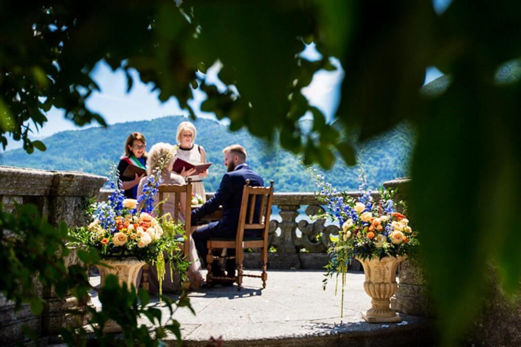 """464 - vilma wedding vestuviu planavimas planuotoja vestuves italijoje organizavimas planuotoja patarimai idejos svente santuoka Vestuvių ceremonijos metu aš – vestuvių koordinatorė – išversiu jums kiekvieną eilutę tam, kad galėtumėte visa širdimi išjausti savo saldų """"Si""""."""