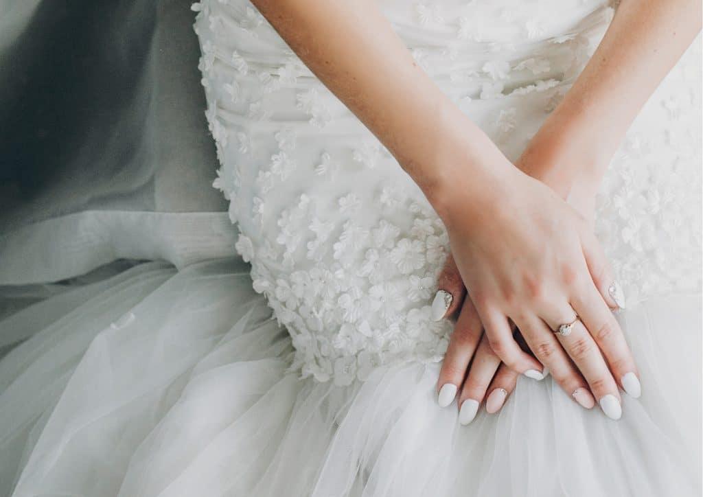 Vilma Wedding & Event Planner _ Vilma Rapšaoitė _ nuotakos manikiūras _ vestuviniai nagai _ vestuvės Italijoje _ patarimai jaunosioms _ vestuvių organzatorė