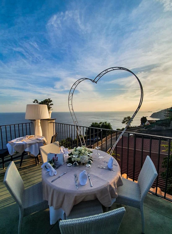 Vilma Wedding & Event Planner _ Vilma Rapšaitė _ vestuvių Italijoje organizatorė _ koordinatorė _ santuoka užsienyje _ vakarienė su vaizdu _ Italija